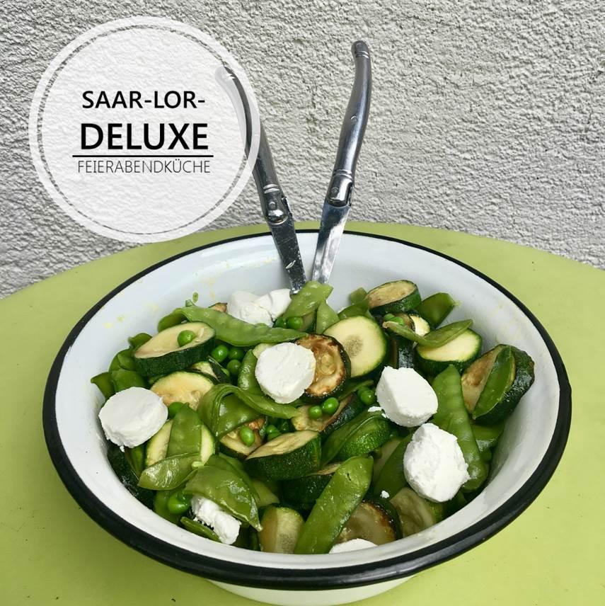 Erfrischender und 100% grüner Gemüsesalat