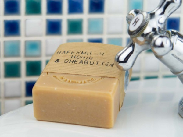 Hafermilch Honig & Sheabutter Naturseife