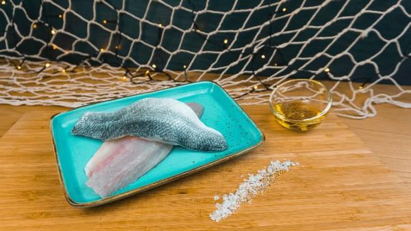 Filets vom Wolfsbarsch - Loup de mer Fisch aus Saarbrücken