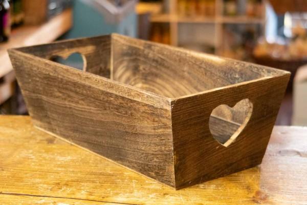 Holzkiste braun mit Herz